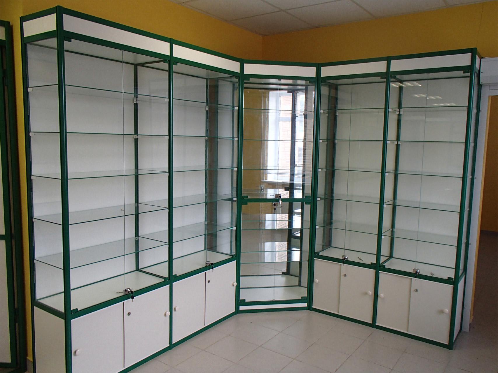 Шкаф стеклянный для косметики